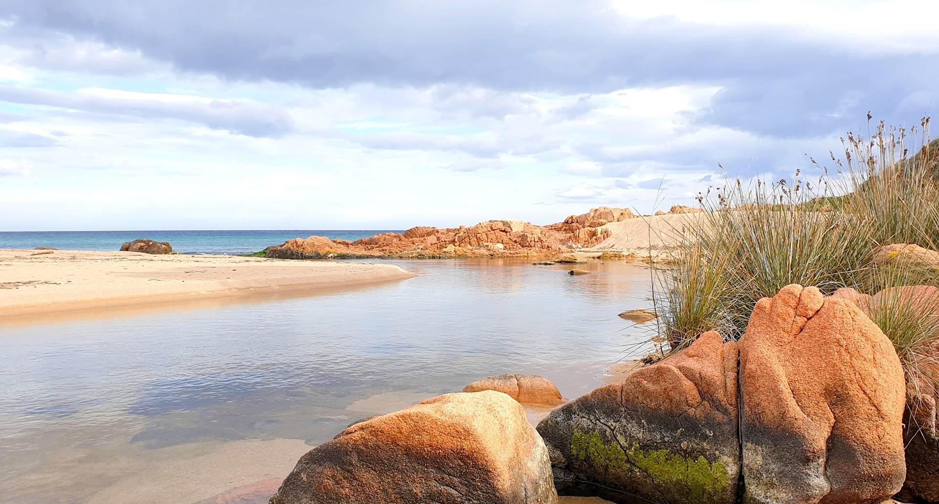 plage rocher embouchure