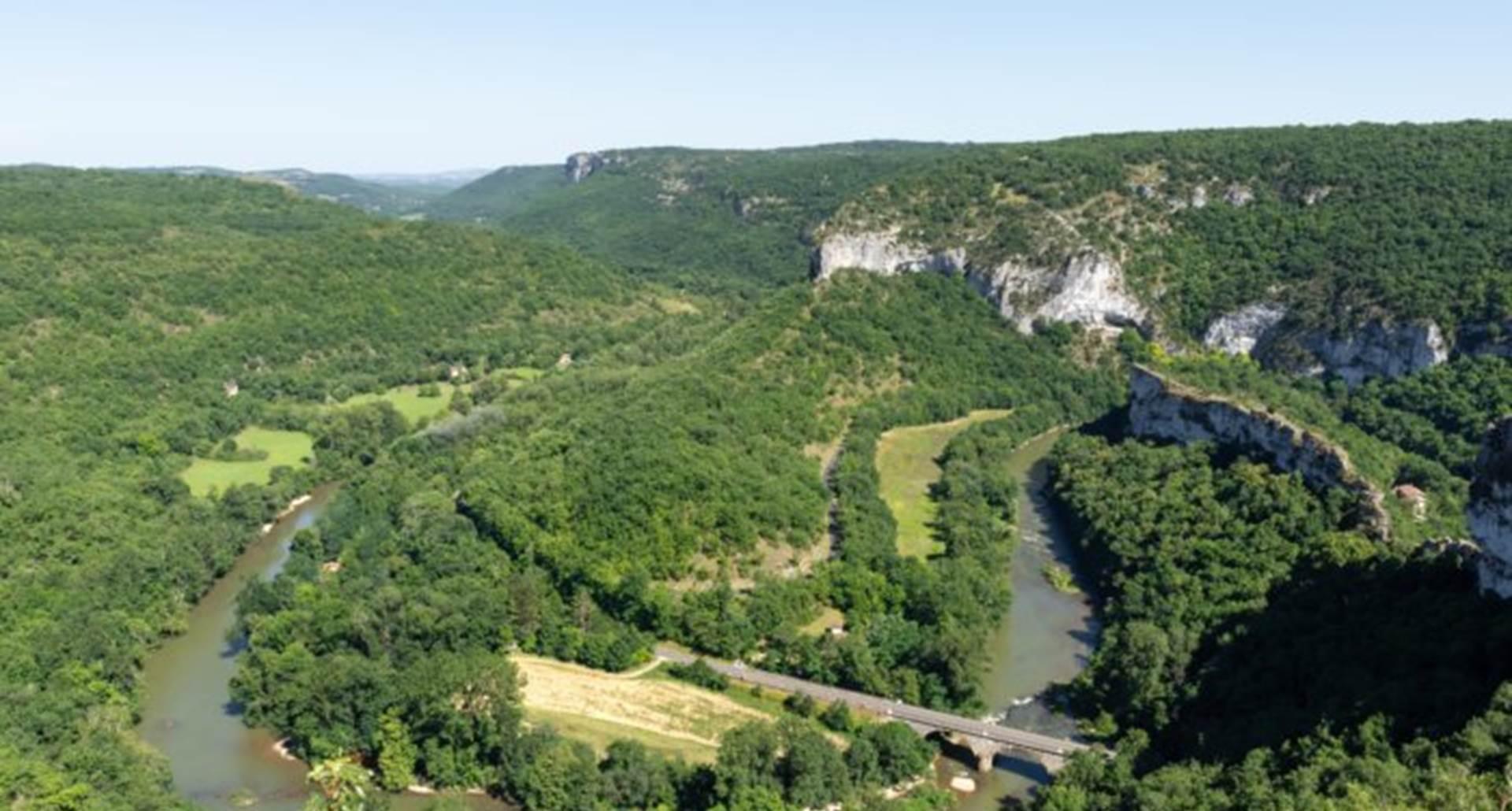 cirque-de-bone-aveyron-saint-antonin-noble-val un des plus beaux panoramas de la vallée