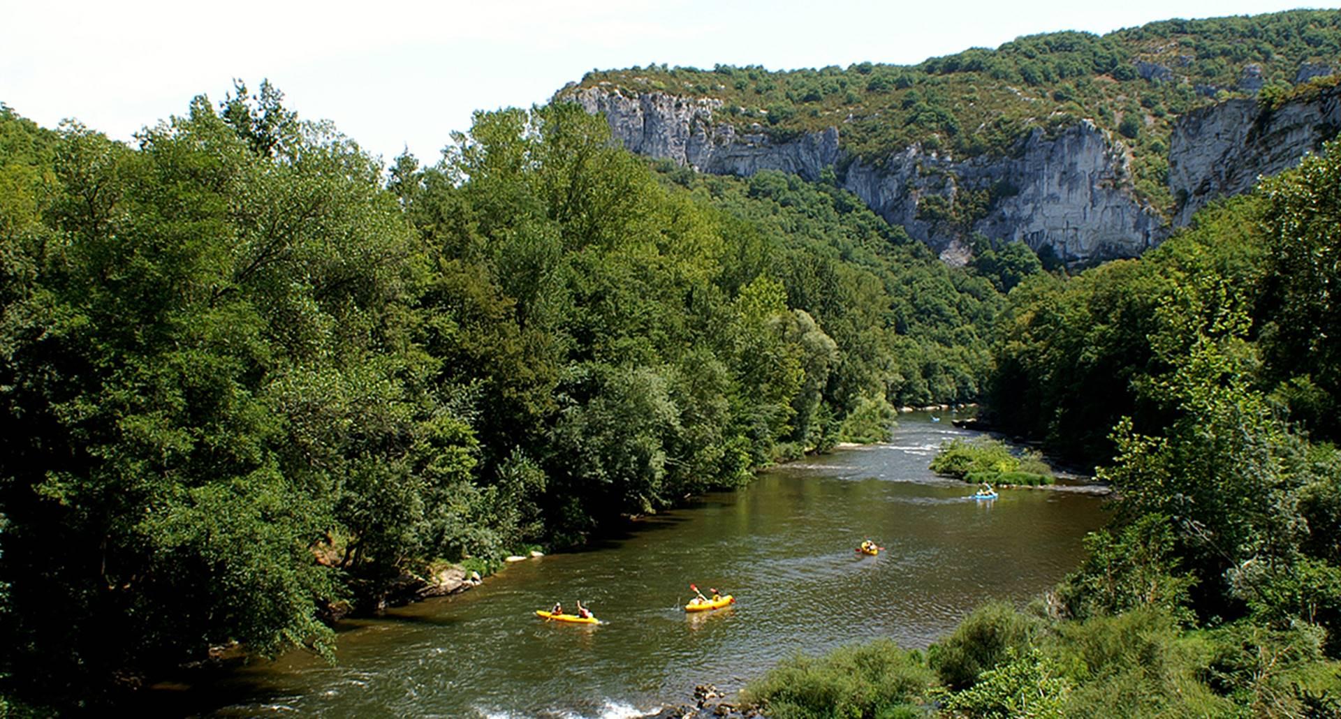 Location canoë dans les Gorges de l'Aveyron