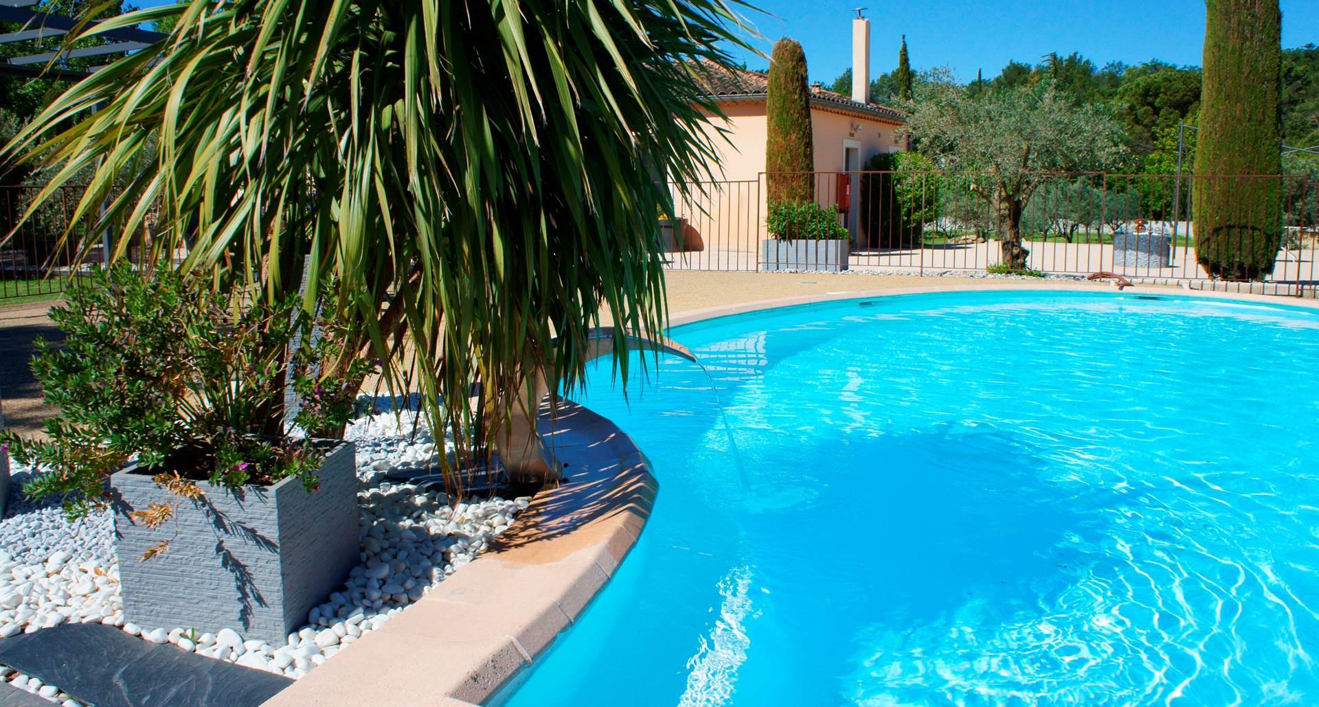Piscine hotel residence les peupliers loriol du comtat provence