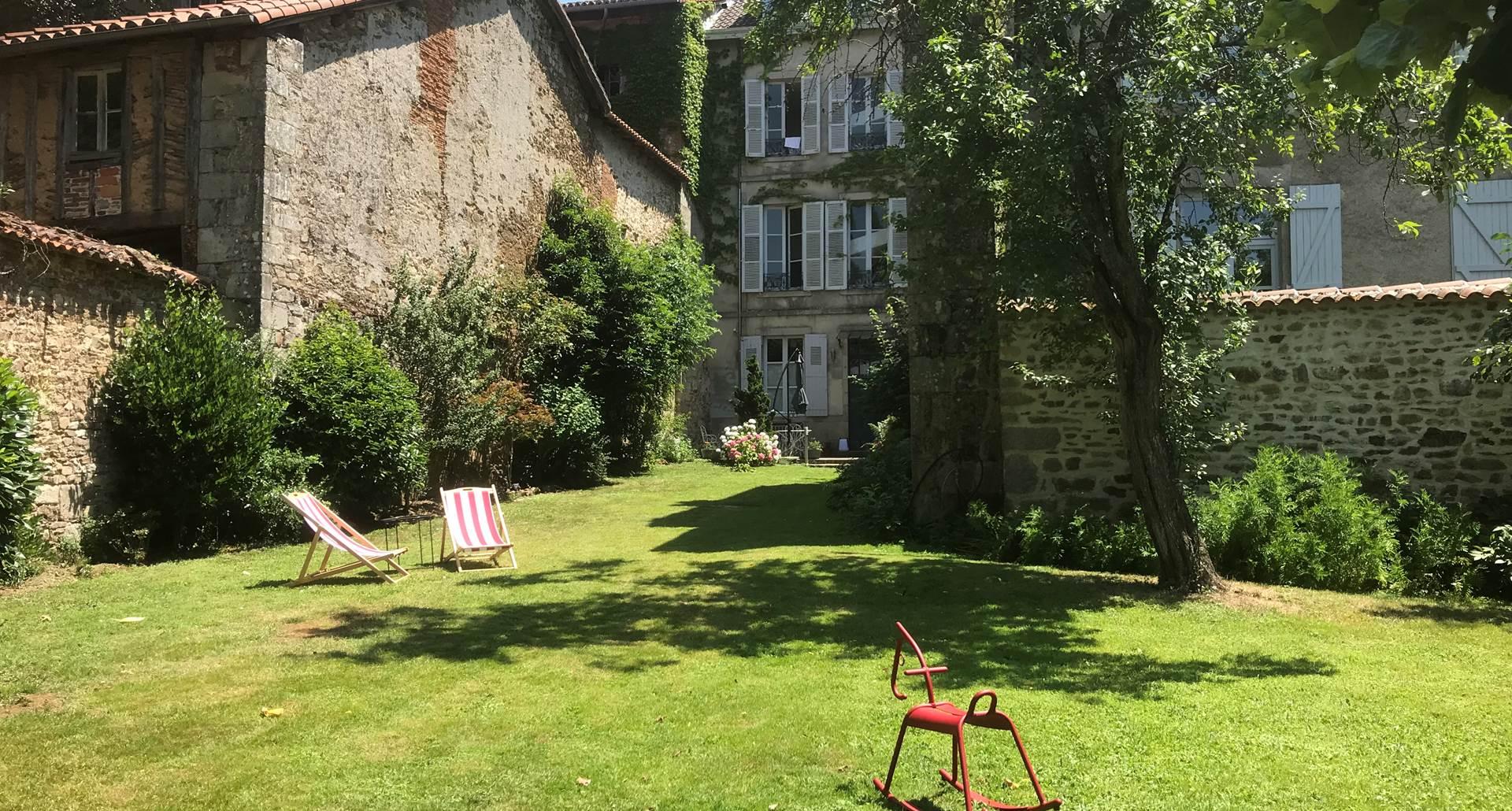 Le jardin des Lys été vacances mariage artiste Nouvelle Aquitaine