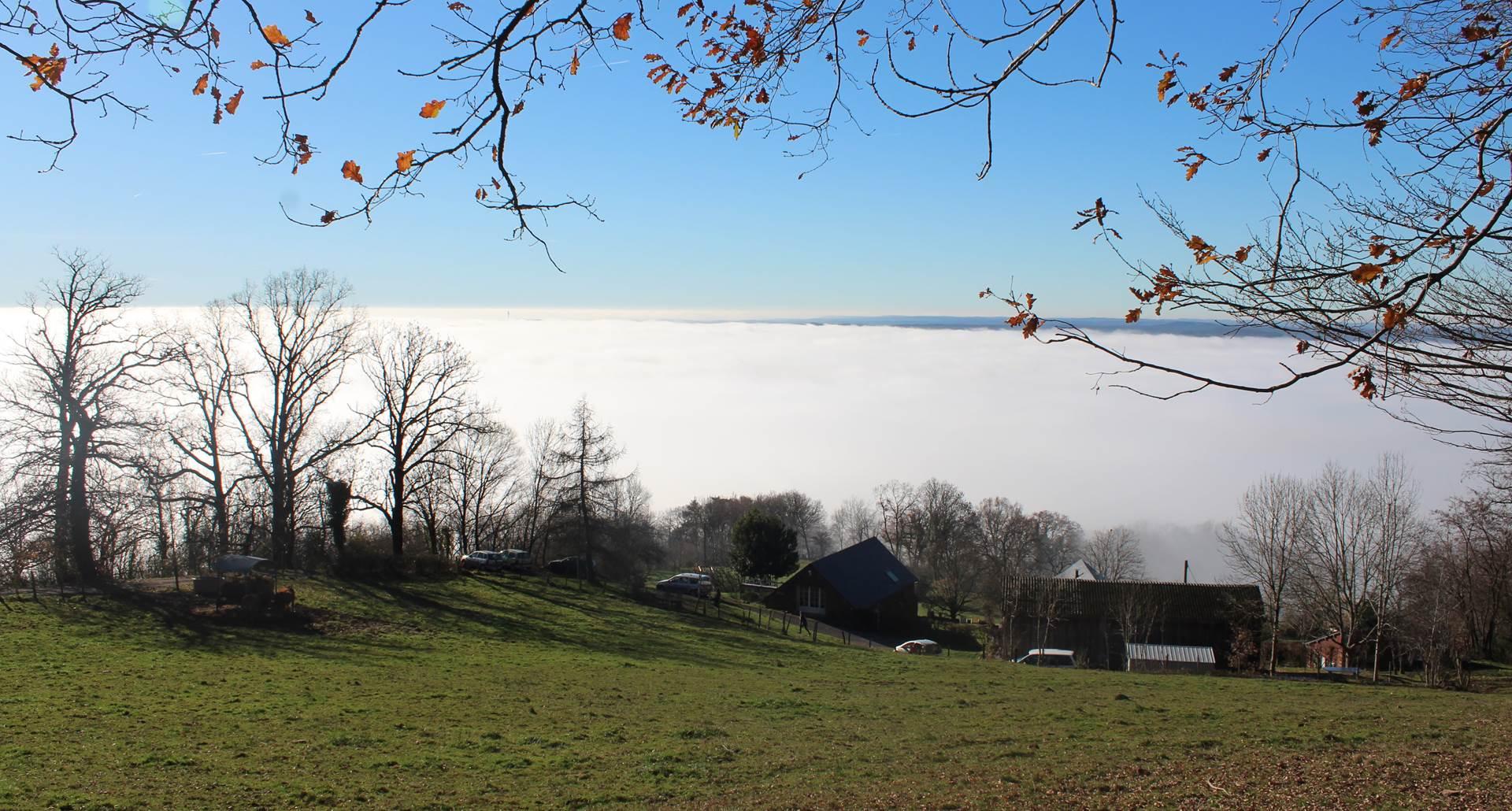 Au dessus des nuages de la vallée de Turenne
