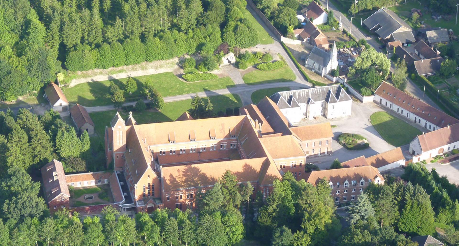 vue aerienne du domaine de l'Abbaye de Belval
