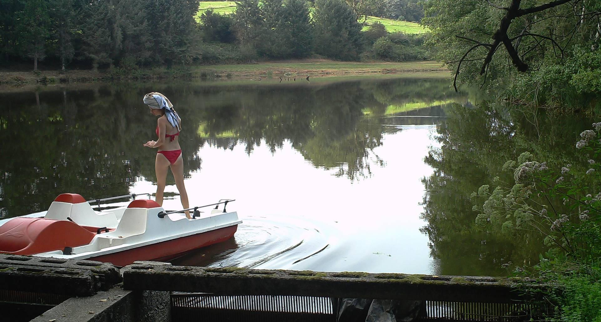 Bronzette sur l'eau