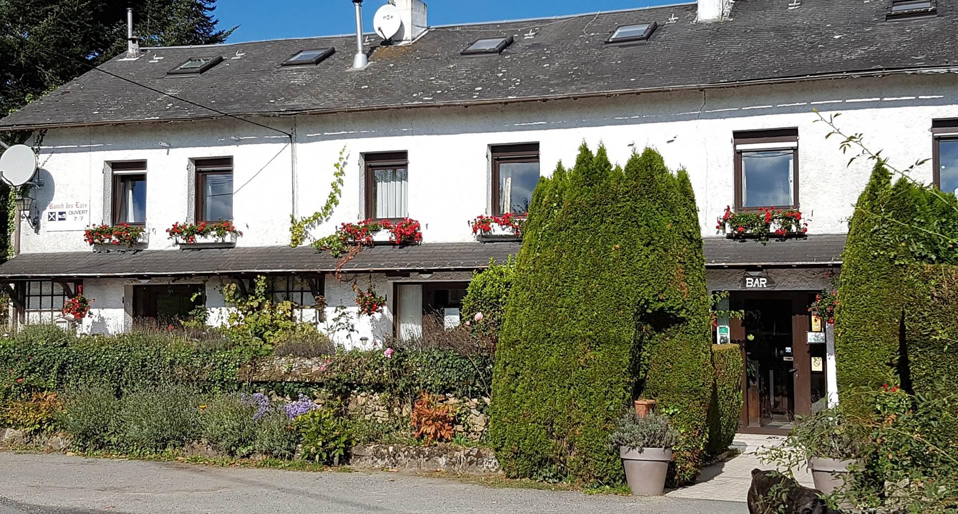 Le Ranch des Lacs hotel en Haute-Vienne, fleurs et camapagne