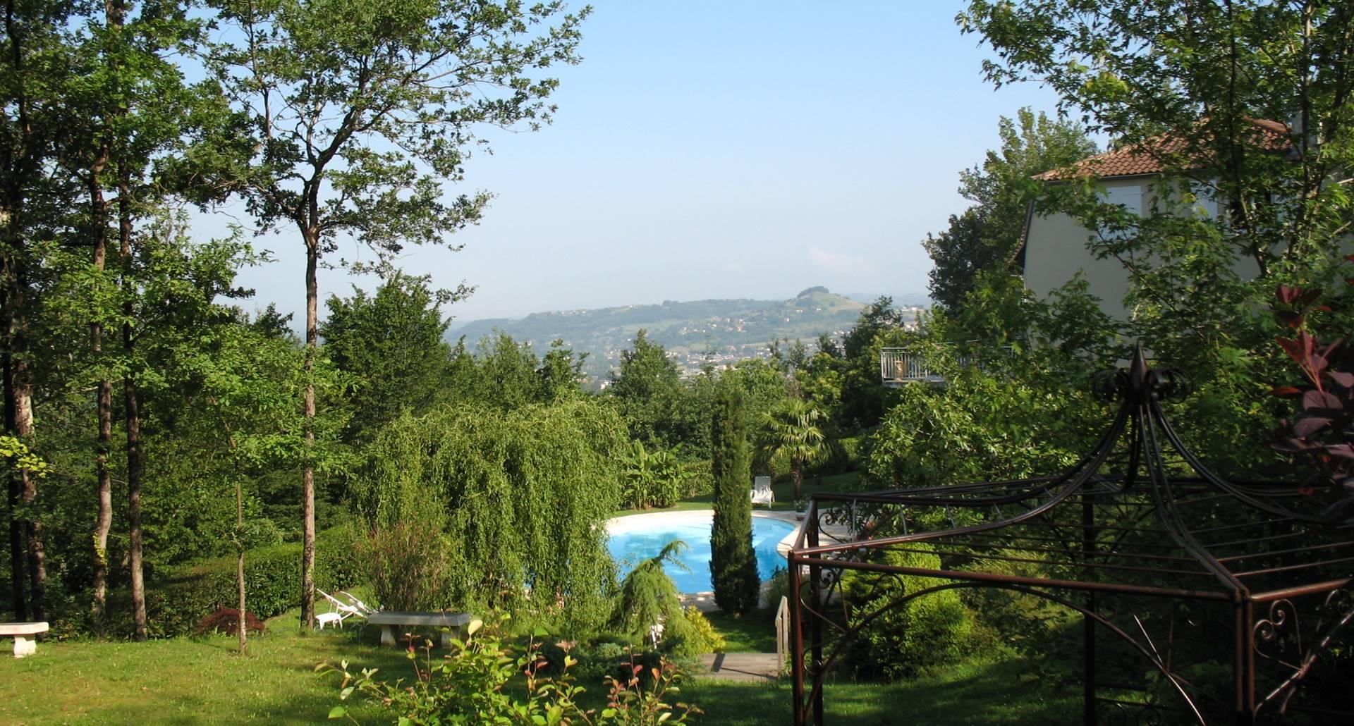 Villa Ric, parc, détente à saint-Céré