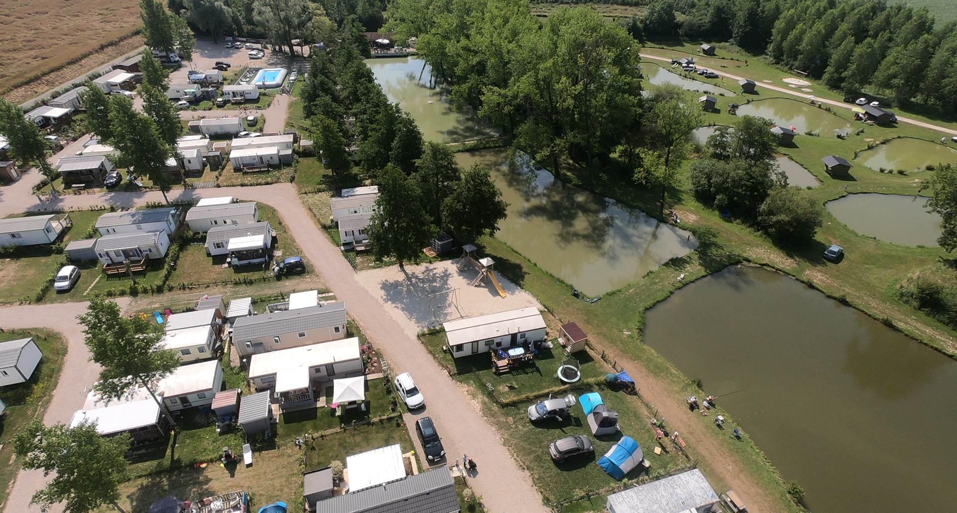 Le camping proche des 12 étangs Martin Pêcheur