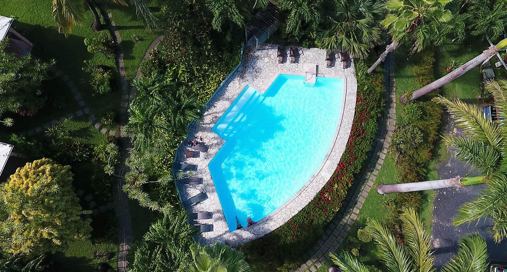piscine vue du drone