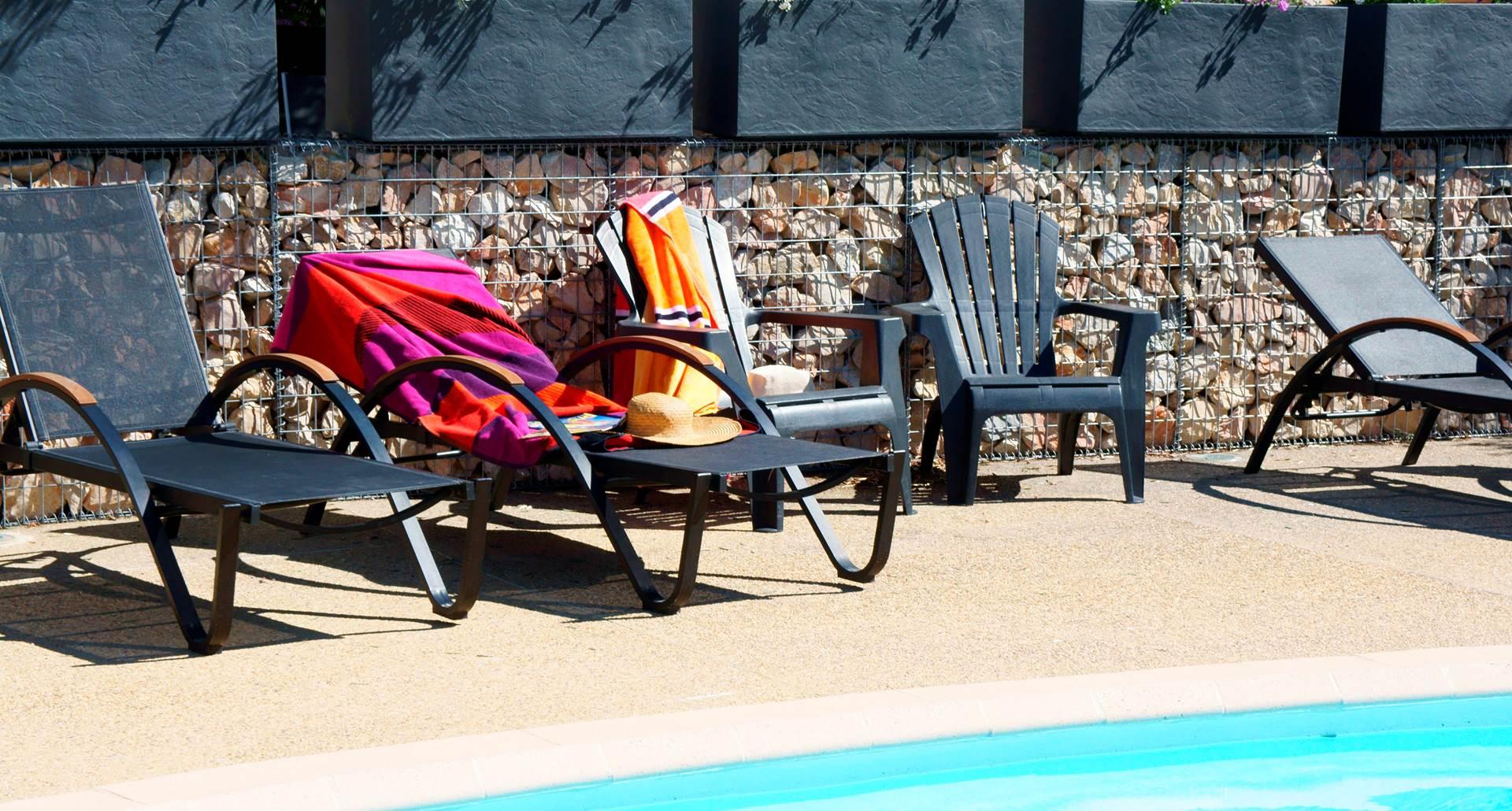 piscine hotel les peupliers loriol du comtat