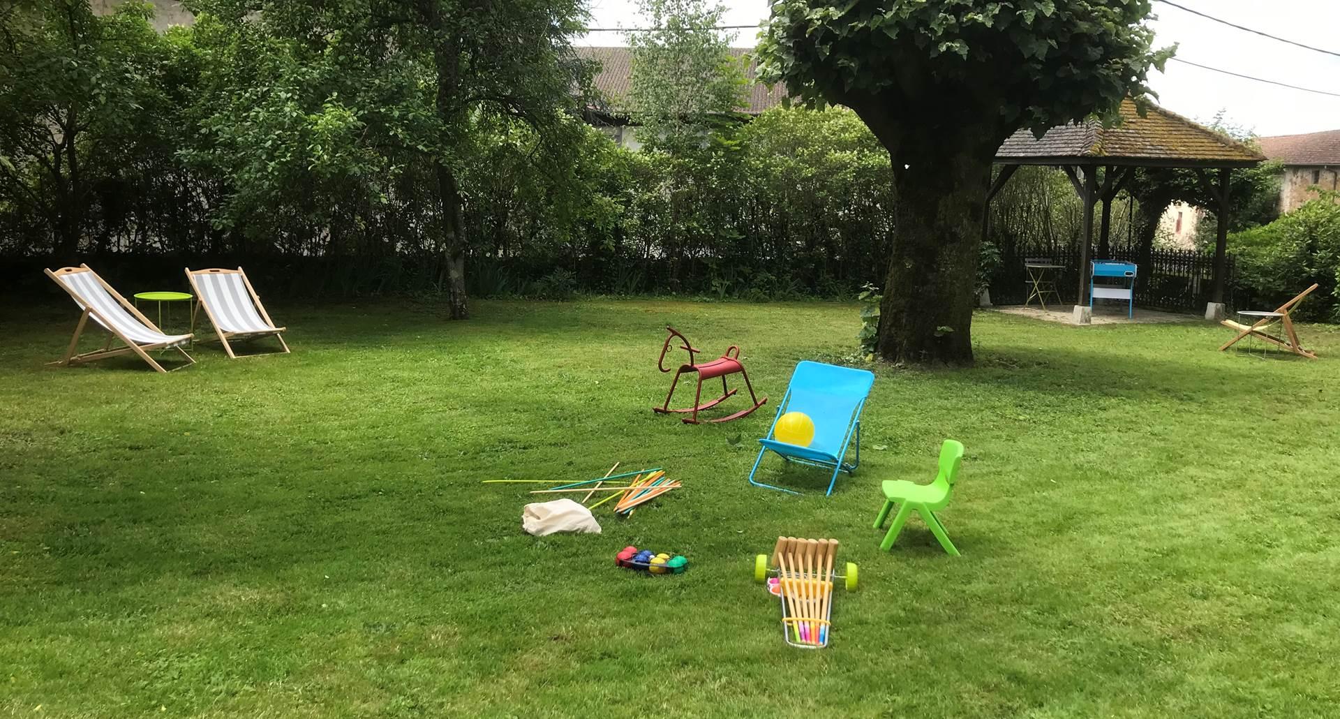 Le Jardin des Lys - Les jeux de plein air au jardin