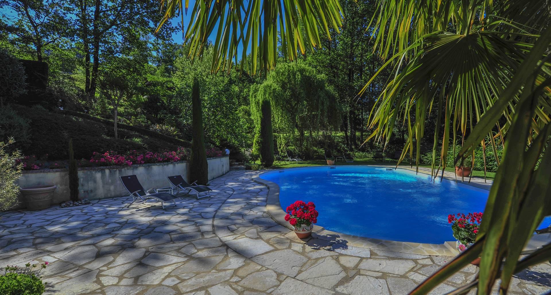 Villa Ric, piscine chauffée, baignade en Vallée de la Dordogne