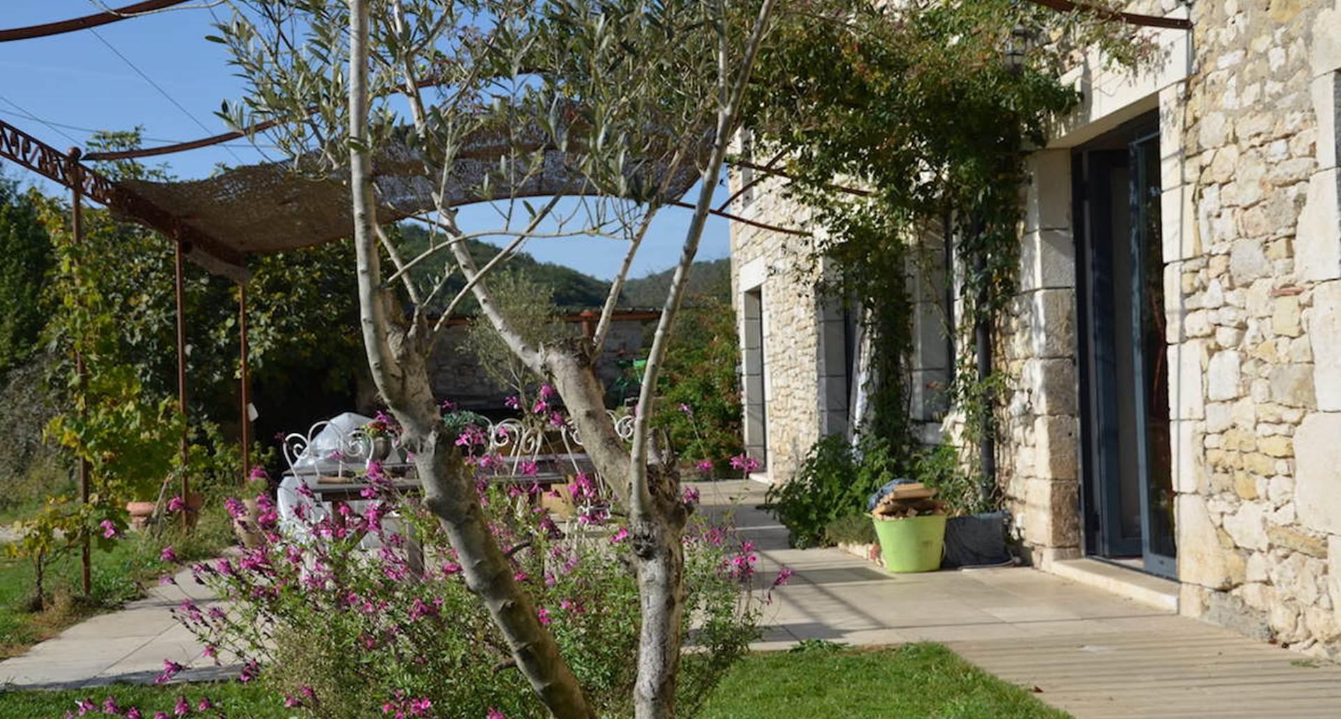 maison de charme avec vue dans cadre reposant et calme près rocamadour padirac collonges sarlat