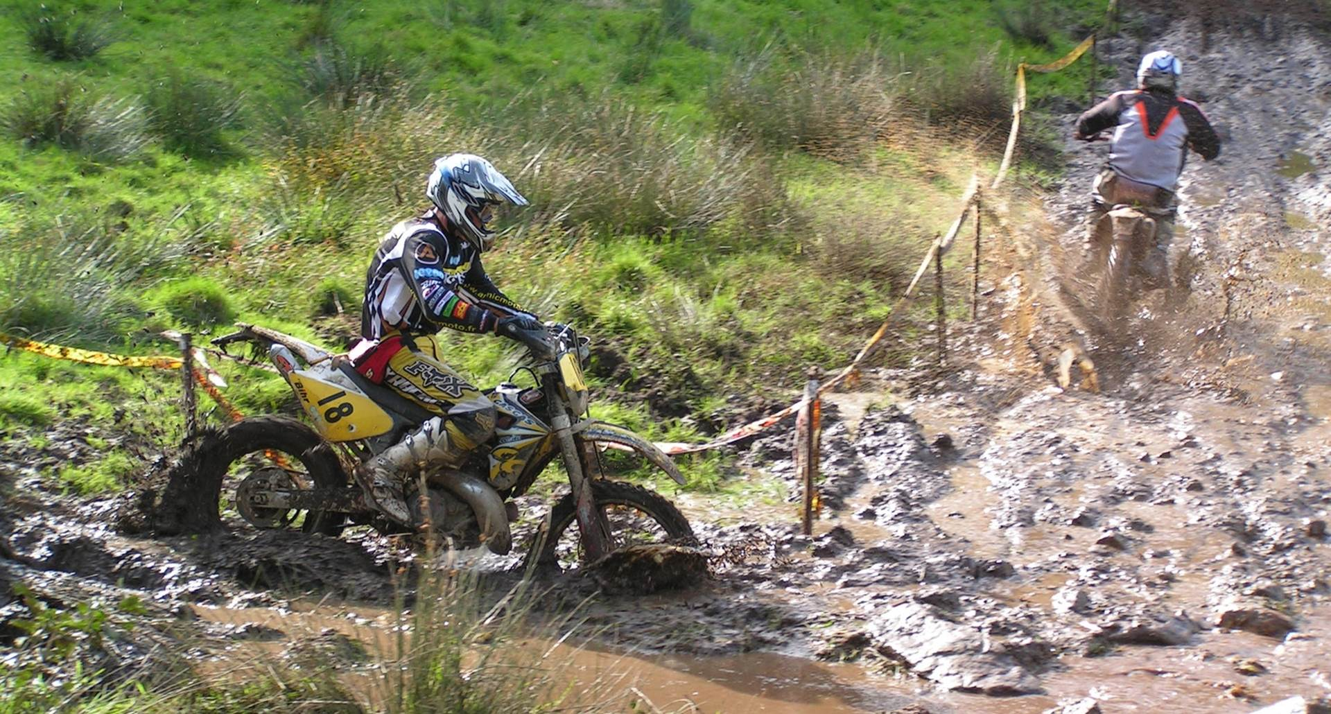 sejour moto enduro - moto cross - hébergement Le Ranch des Lacs - photo B.Barlet.