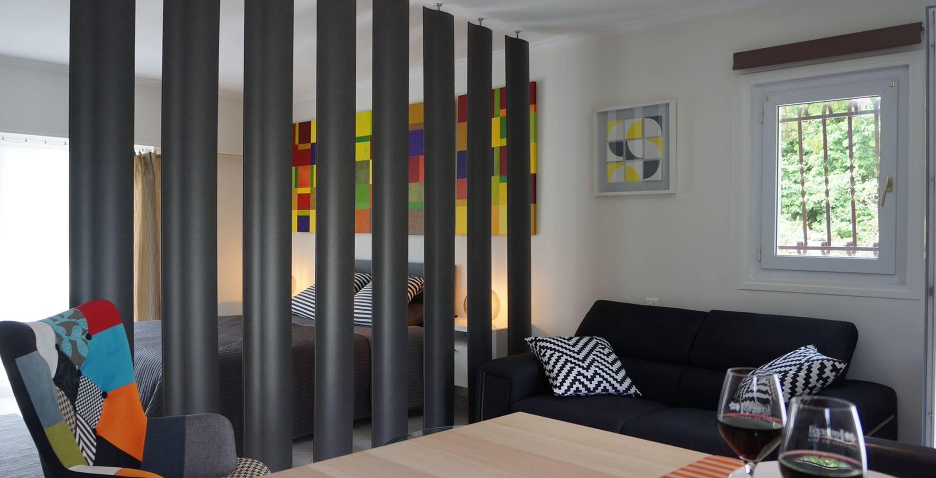 casadina-lestudio-living-sofa-gite-guesthouse-sommieres