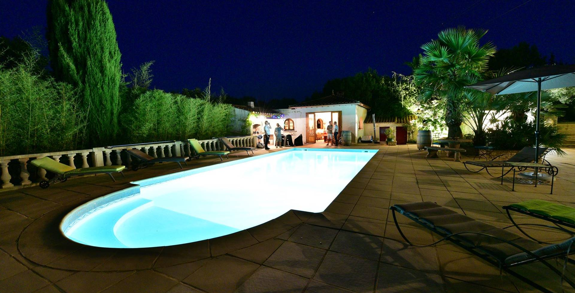 casadina-gites-villas-studio-piscine-de-nuit-sommieres