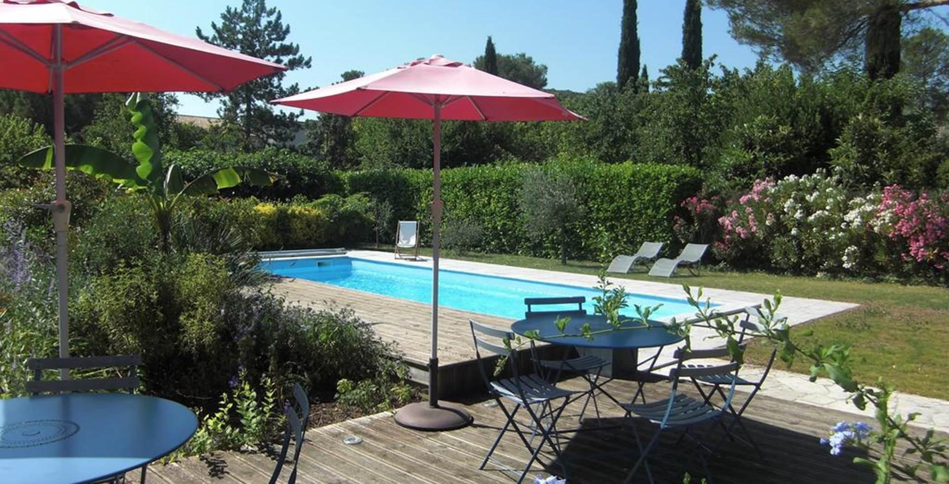 Terrasse et piscine La Soucarede Grabels