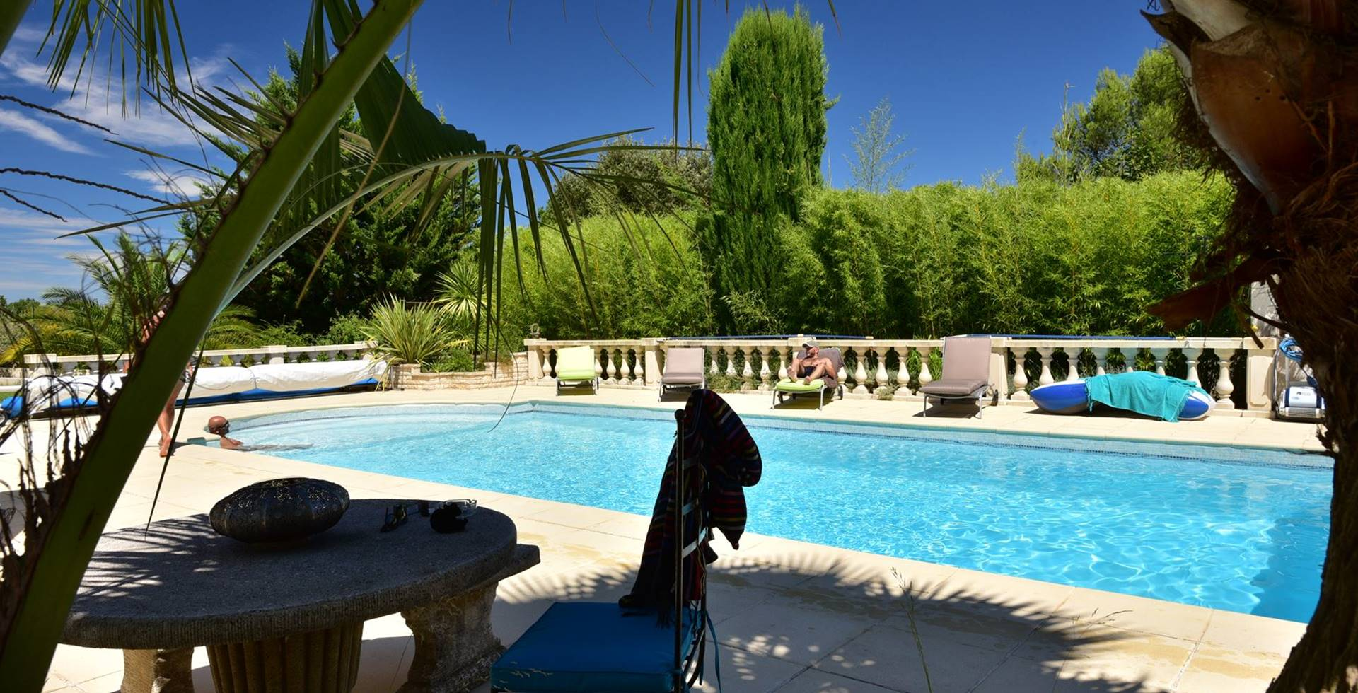 casadina-location-rent-gite-pool-sommieres