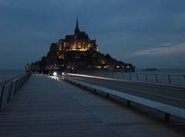 Le Mont Saint-Michel by night