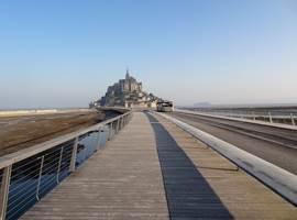 Passerelle et navette du Mont Saint-Michel