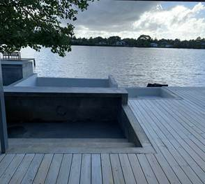 Vue sur la lagune, la piscine