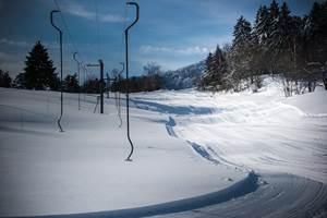les piste de ski enneigée du frenz
