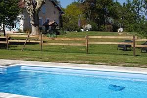 La  piscine  la période d'ouverture de la piscine est du 0106 au 240919