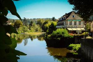 Hôtel des Bains, au bord de la rivière, Figeac, Lot (46)