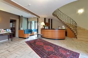 21-hotel-logis-letylann-saintave-halldereception