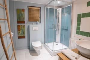 Suite - Tardoire et Bandiat -  La Vieille Maison de Pensol - La salle de douche