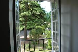vue jardin fenêtre