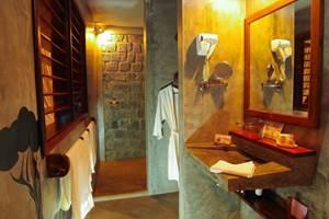 Salle de bain chez Idylle Beach Île Nosy Bora MADAGASCAR