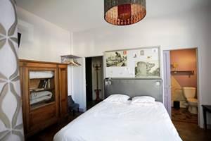 la_petite_cour-chambre-droite-sdb-virginie-roussel-photographies