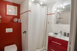 Clédier - La Vieille Maison de Pensol - La salle de douche