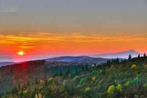 Coucher de soleil sur la montagne de Lure avec vue sur le Ventoux