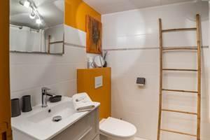 Châtaignier - La Vieille Maison de Pensol - La salle de douche