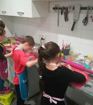 Atelier pâtisserie avec Marie Les Gourmands disent