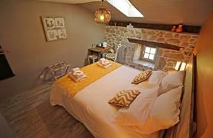 Chambre châtaignier - La Vieille Maison de Pensol - PNR Périgord Limousin