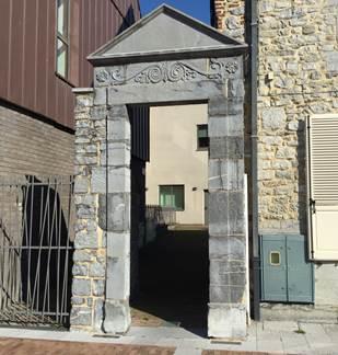Porte de la ruelle Charles Quint