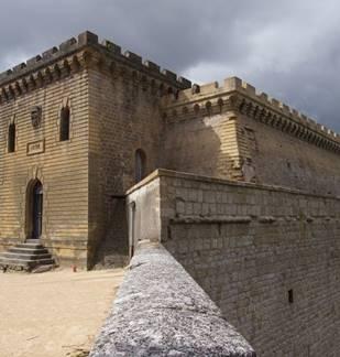 Visite guidée : Mézières, Tour du Roy et Basilique