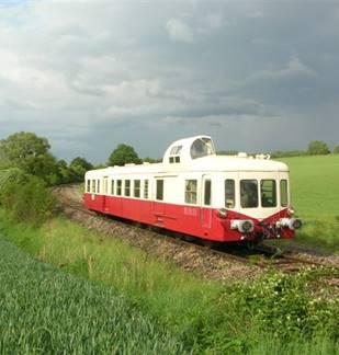 Train touristique : Autorail Picasso et Caravelle