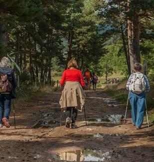 Randonnée : Des chapelles et des ardoisières à Fumay
