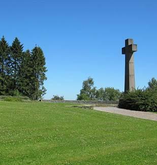 Cérémonie commémorative à Noyers Pont Maugis