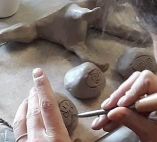 Atelier poterie initiation au tour à la Pepiterre
