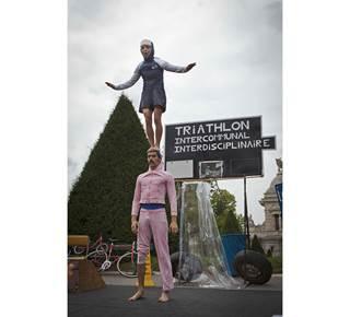 Les deux du stade : duo acrobatique et burlesque