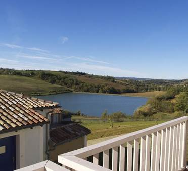 Vue sur le lac depuis la résidence