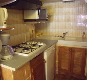 maison 6 personnes à albiés  - coin cuisine