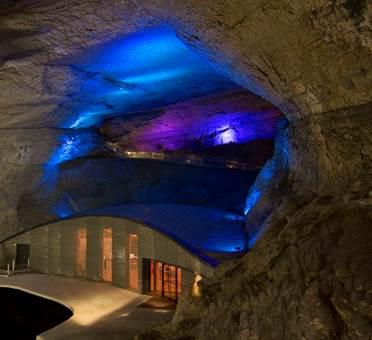 Grotte et centre d'interprétation