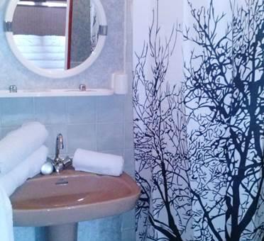 Hotel Le Globe - Massat- salle de bains