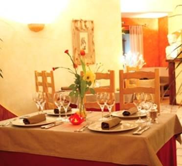 Restaurant La Petite Maison Salle de restaurant