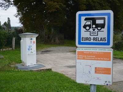 Aire de services pour camping-car - Launois-sur-Vence